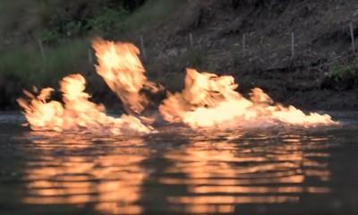 reka-v-plamuci-shale-gaz